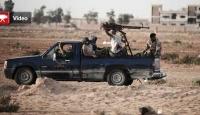 """Libya'da """"Kaddafi Çekiliyor"""" İddiası"""