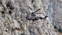 Kayalıklardan Düşen Genci Helikopter Kurtardı