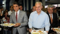 ABD Büyükelçisi Çadırda İftara Katıldı