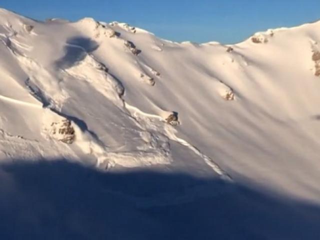 İsviçre Alpleri'nde yapay çığ serileri oluşturuldu
