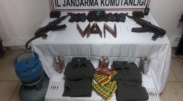 Vanda teröristlere ait silah ve mühimmat bulundu