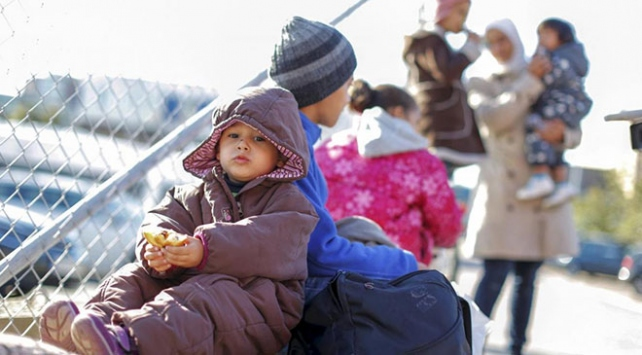"""İsveçte sığınmacılara """"Hristiyanlık testi"""" iddiası"""