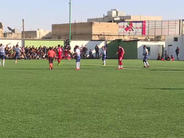 El Bab'da terörün izleri futbolla siliniyor