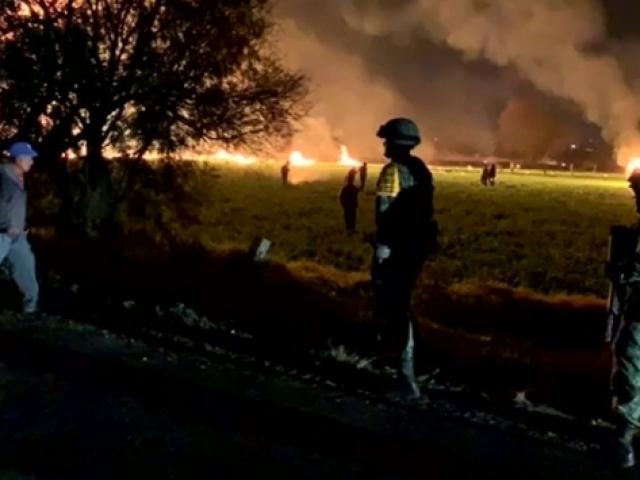Meksika'da bir petrol boru hattında patlama: 66 ölü