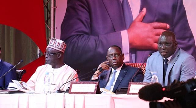 Senegalde cumhurbaşkanı seçimi adayları kesinleşti