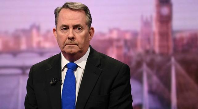 """İngiltere siyasi tsunami ile karşı karşıya"""
