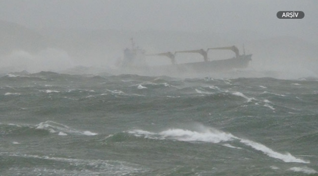 Hindistanda tekne alabora oldu: 8 ölü