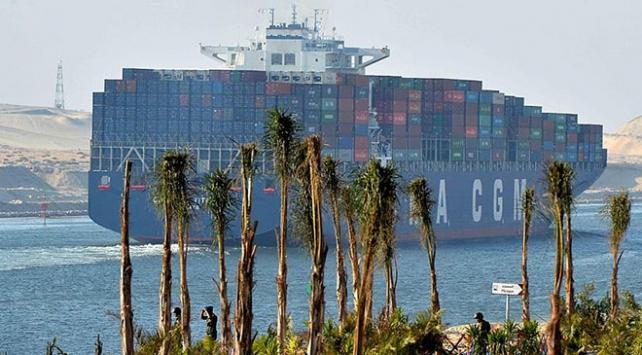 Süveyş Kanalı'nın geliri 2018'de yüzde 7,5 arttı