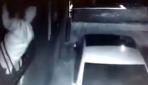 Daracık parmaklıktan daireye giren hırsız kameralara yakalandı