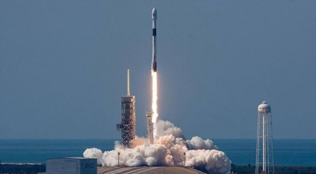 İran ikinci uydusunu fırlatmaya hazırlanıyor