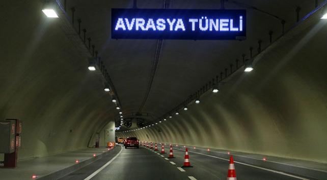 Avrasya Tünelinden 1 yılda 17,5 milyon araç geçti