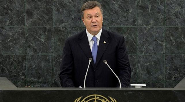 Eski Ukrayna Devlet Başkanı Yanukoviçe 13 yıl hapis