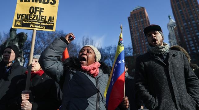 New Yorkta Maduroya destek gösterisi