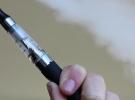 Elektronik sigara içenler de 'zehir' soluyor