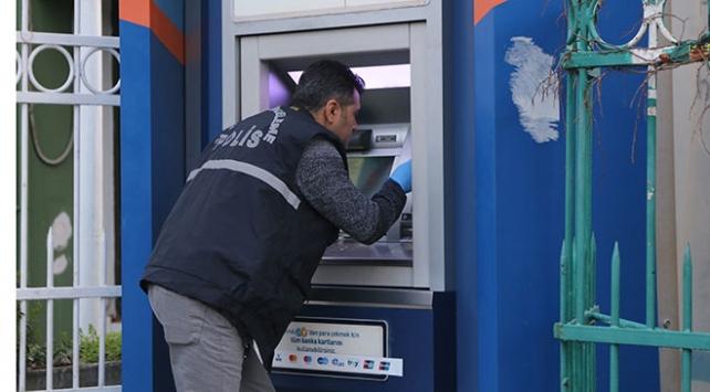 ATMdeki düzenek vatandaşın dikkati sayesinde bulundu