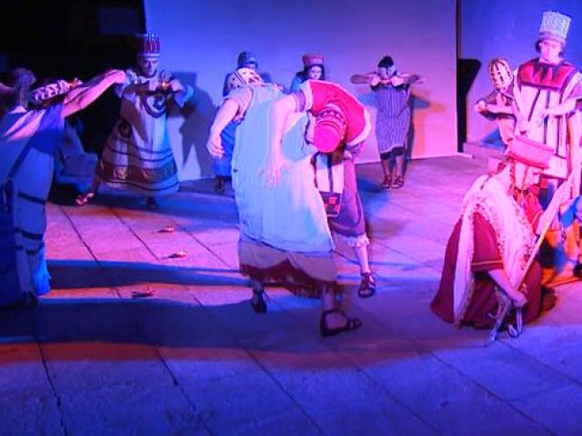 Müzelerde sergilenen eserlerin hikayesi tiyatroyla anlatılıyor