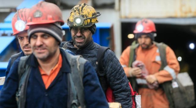Somadaki maden işçilerinin kadro sevinci