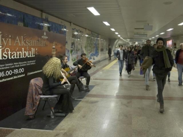 İstanbullular günün yorgunluğunu müzikle atacak