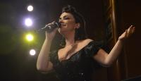 TRT sanatçıları Bursa'da kanser hastaları için sahne aldı