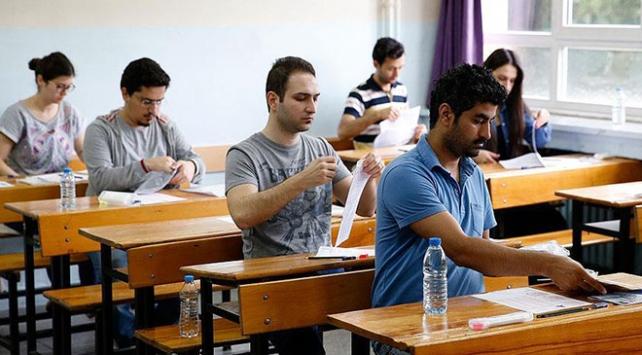 Öğretmenlik Alan Bilgisi Testinin konu dağılımları ile sınav süreleri yeniden düzenlendi