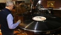 Nostaljinin sesleri Raif Kara'nın koleksiyonunda