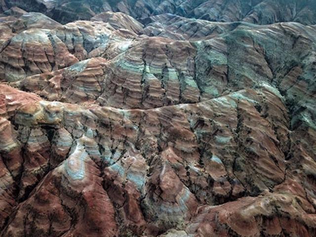 Gökkuşağı Tepeleri doğa tutkunlarının ilgi odağı oldu