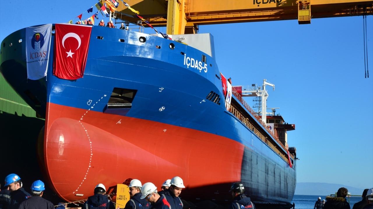 Türk mühendisler yerli imkanlarla 15 ayda gemi üretti