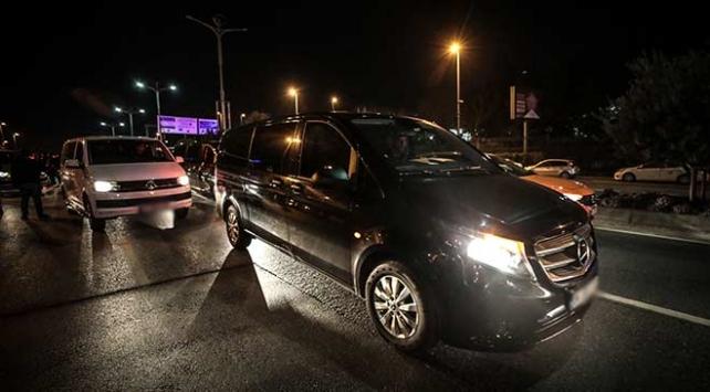 Uber sürücülerinden darp edildiği iddia edilen meslektaşlarına destek eylemi