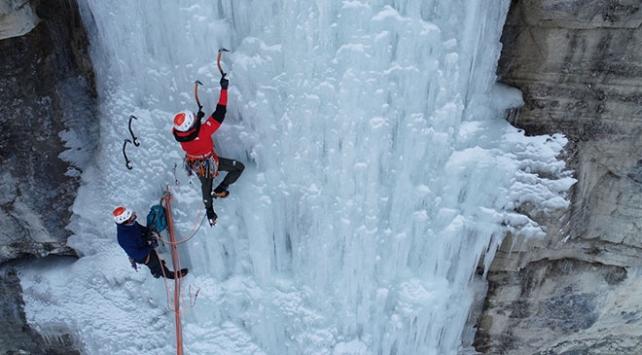 Erzurumun buz şelaleleri dünyaca ünlü dağcıları konuk ediyor