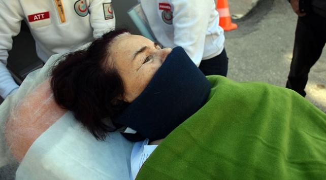 Sanatçı Fatma Girik hastaneye kaldırıldı