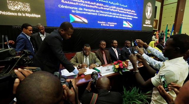 Orta Afrika Cumhuriyetinde ön barış anlaşması imzalandı
