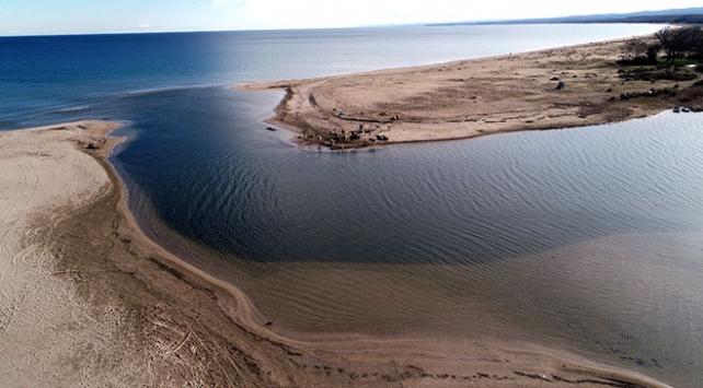 Deniz ve gölün birleştiği doğa harikası