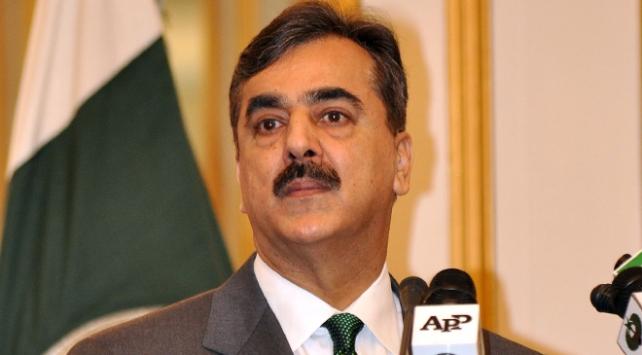 Pakistanda eski başbakanın yurt dışına çıkışı engellendi