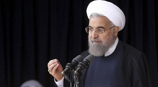 Ruhani: ABD Venezuelanın kaderine müdahale ediyor