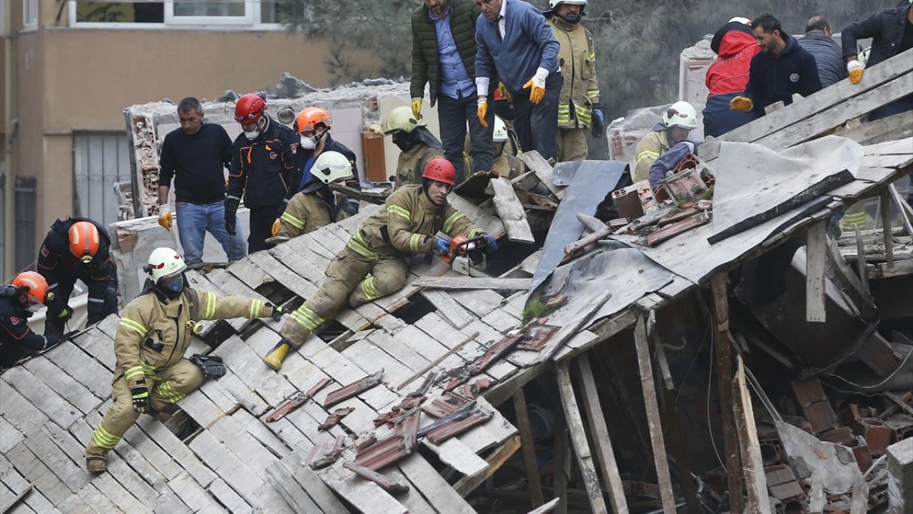 Kartalda bina çöktü: 3 kişi hayatını kaybetti, 12 kişi kurtarıldı