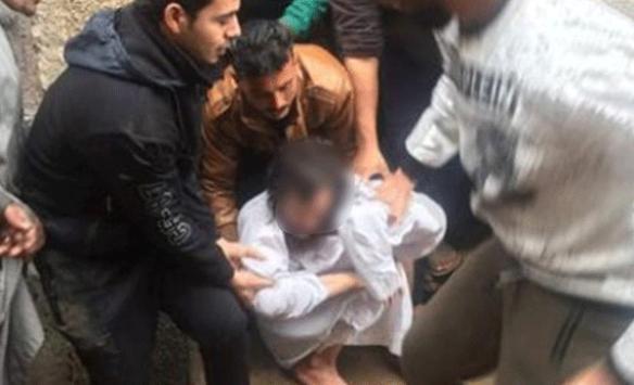 Mısırda bir anne, oğlunu 10 yıl boyunca ışık görmeyen bir odada sakladı
