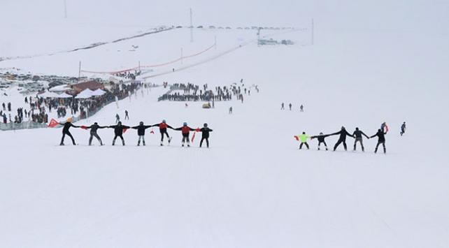 Vanda kayak festivali renkli görüntülere sahne oldu