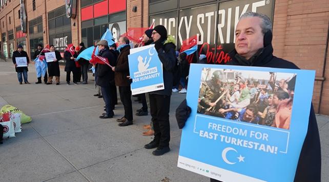 New Yorkta Doğu Türkistan protestosu