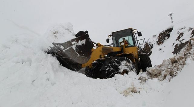 139 yol kar ve tipiden kapandı