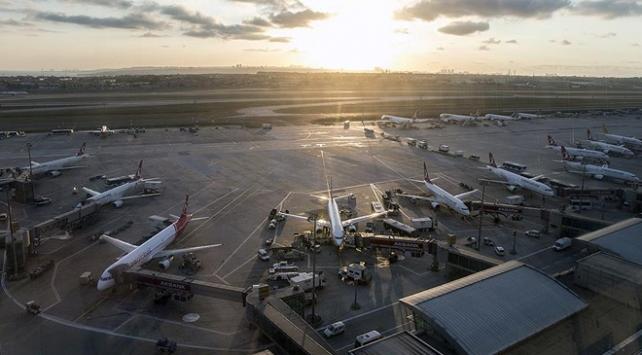 İstanbul havalimanlarından 1 ayda 56 bin sefer