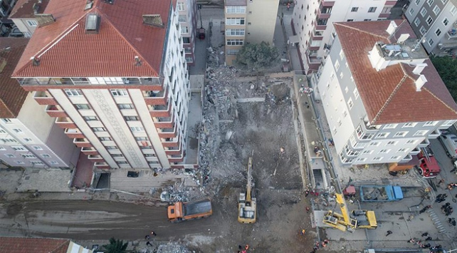 Bakan Kurum: Risk tespit edilen binalar yıkılacak