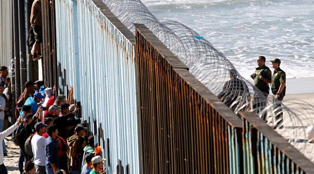 Californiadan Pentagonu kızdıracak adım: Sınırdaki askerleri azaltıyor