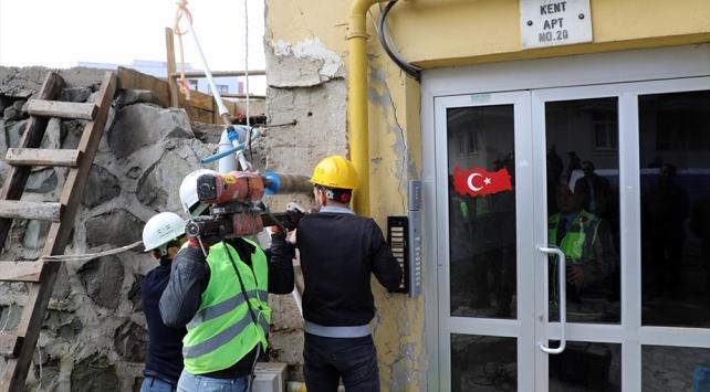 Rizede tahliye edilen 8 katlı binada inceleme