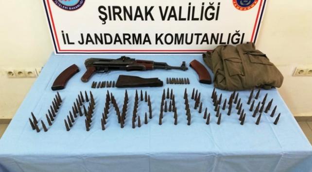 PKKlı teröristlere ait silah ve mühimmat ele geçirildi