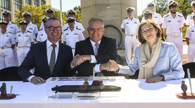 Avustralya ve Fransadan 50 milyar dolarlık savunma anlaşması