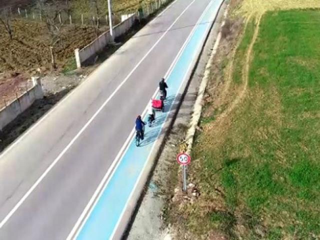 Şen ailesi bisikletle Avrupa turu yaptı