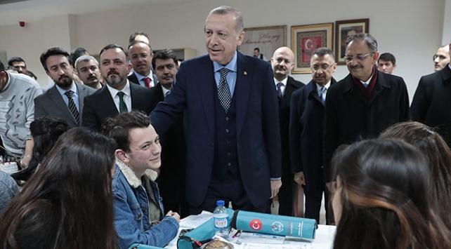 Cumhurbaşkanı Erdoğandan Ankaraya metrobüs müjdesi