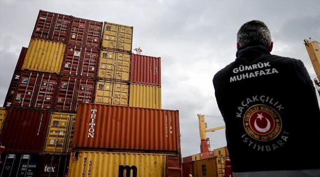 İzmirde 500 bin paket kaçak sigara ele geçirildi