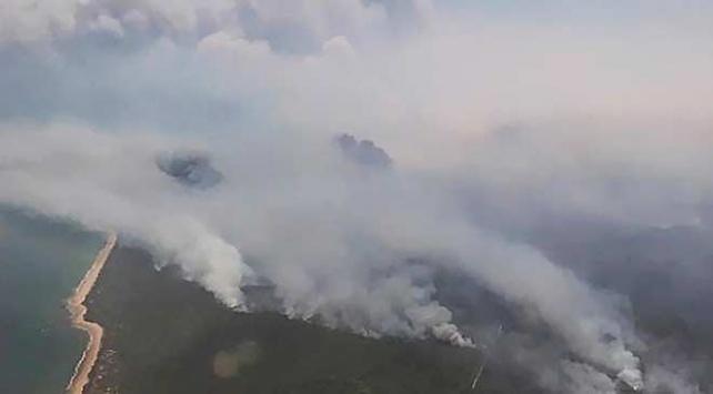 Avustralyada devam eden yangınlarda 5 ev yandı
