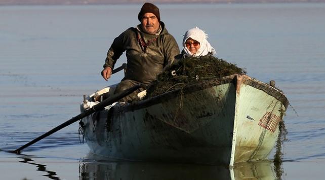 Marmara Gölünün yükselmesi balıkçıların yüzünü güldürdü